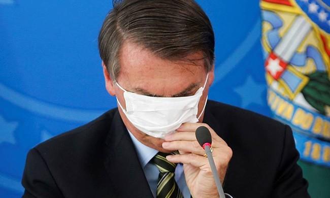Bolsonaro é acusado de sabotar os cuidados com a pandemia, segundo Human Rigths Watch
